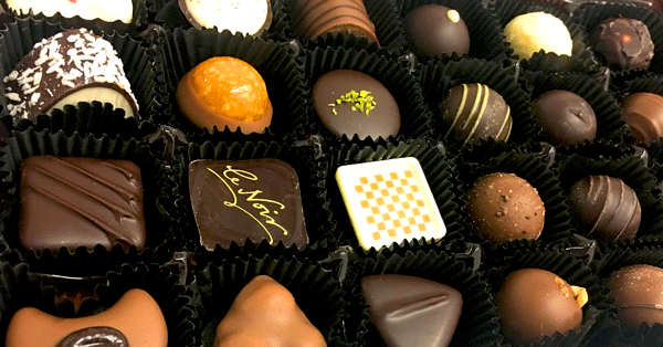 chocolate-truffles-candies-pralines